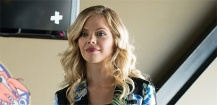 Dreama Walker décroche le premier rôle féminin de Welcome to the Neighborhood